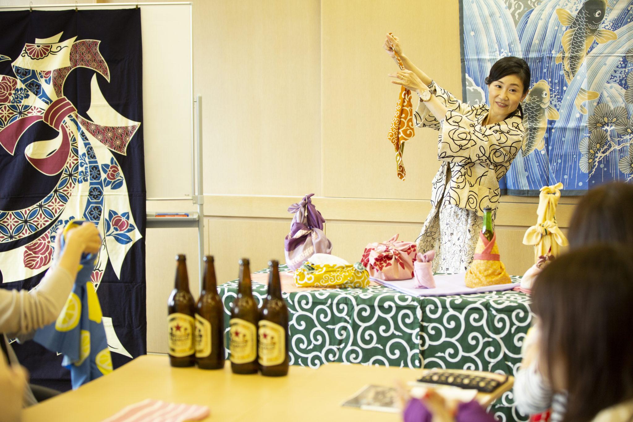 日本文化講師の浅海理惠さん